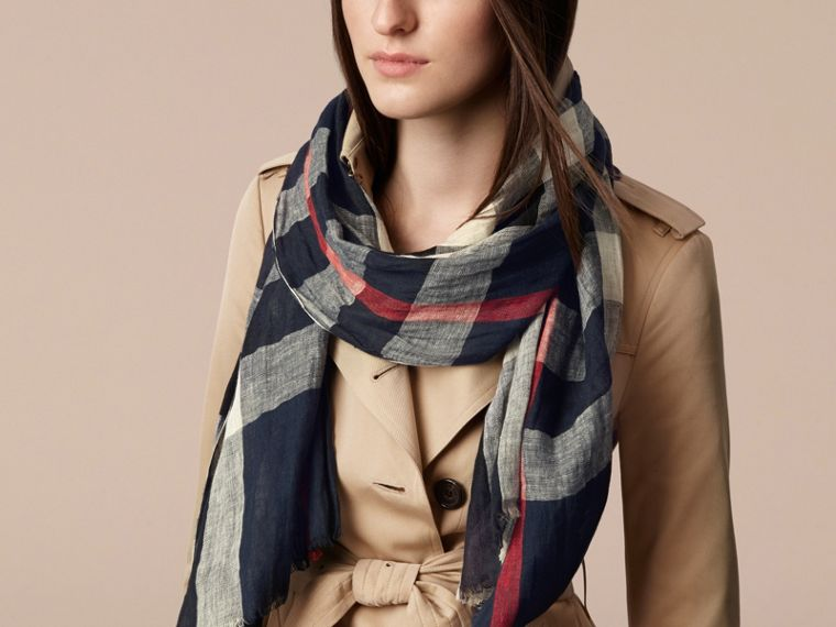Navy check Check Linen Crinkled Scarf Navy - cell image 1