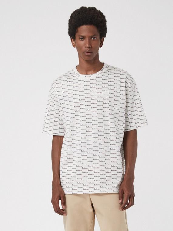 Camiseta de algodão com logo do acervo (Branco)