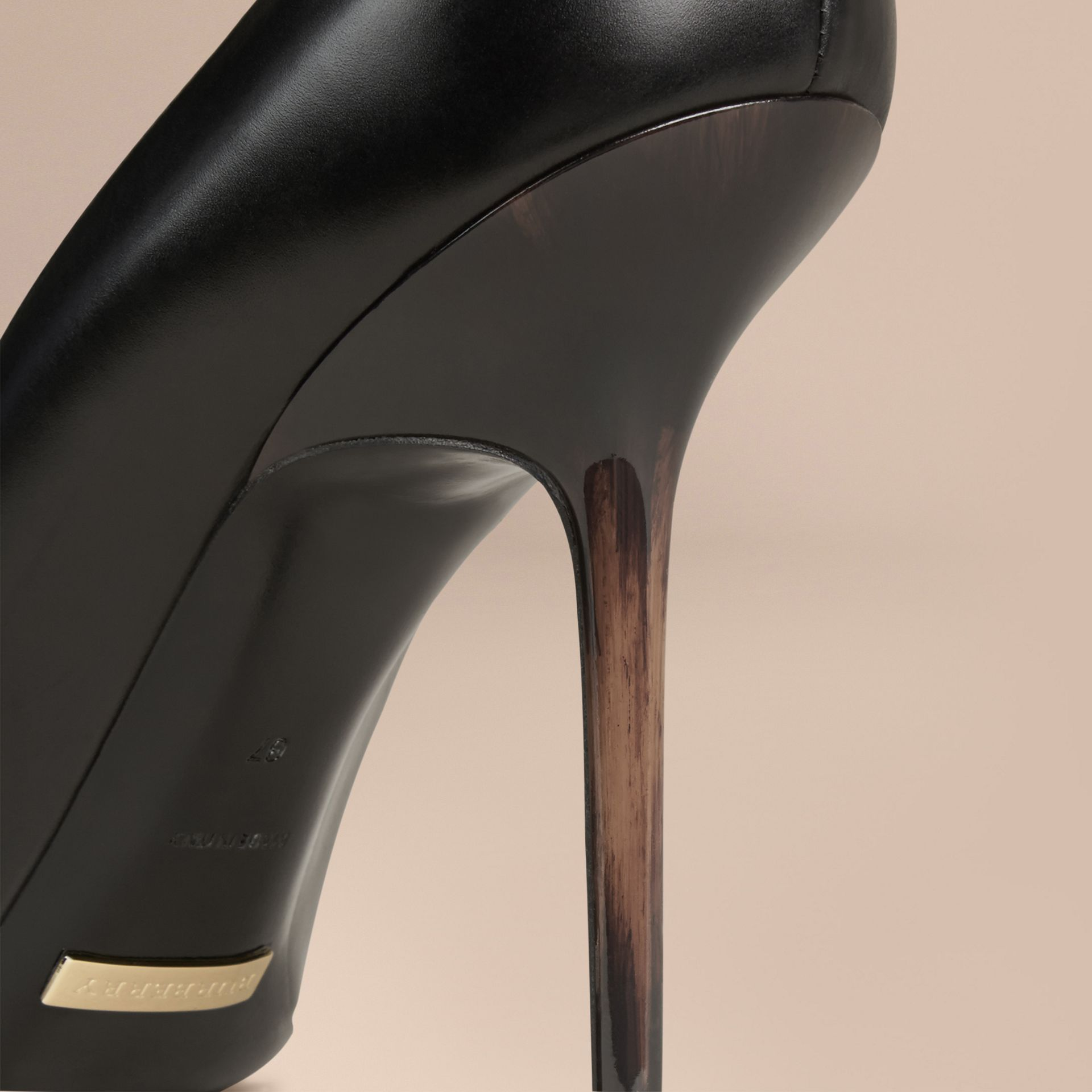 Black Hand-painted Point-toe Leather Pumps Black - gallery image 5