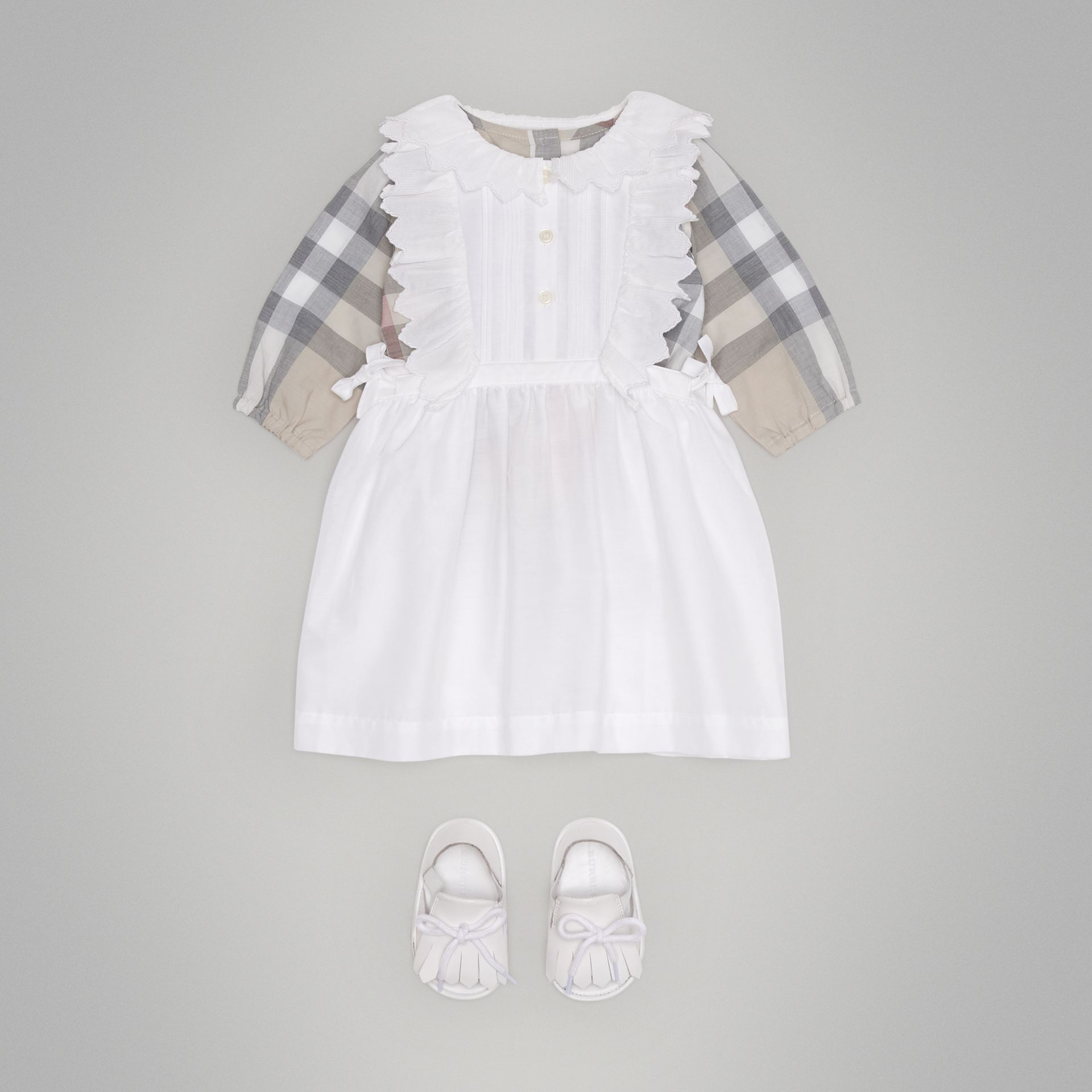 Scalloped Plissé Detail Cotton Shirt Dress in White - Children | Burberry Singapore - gallery image 2