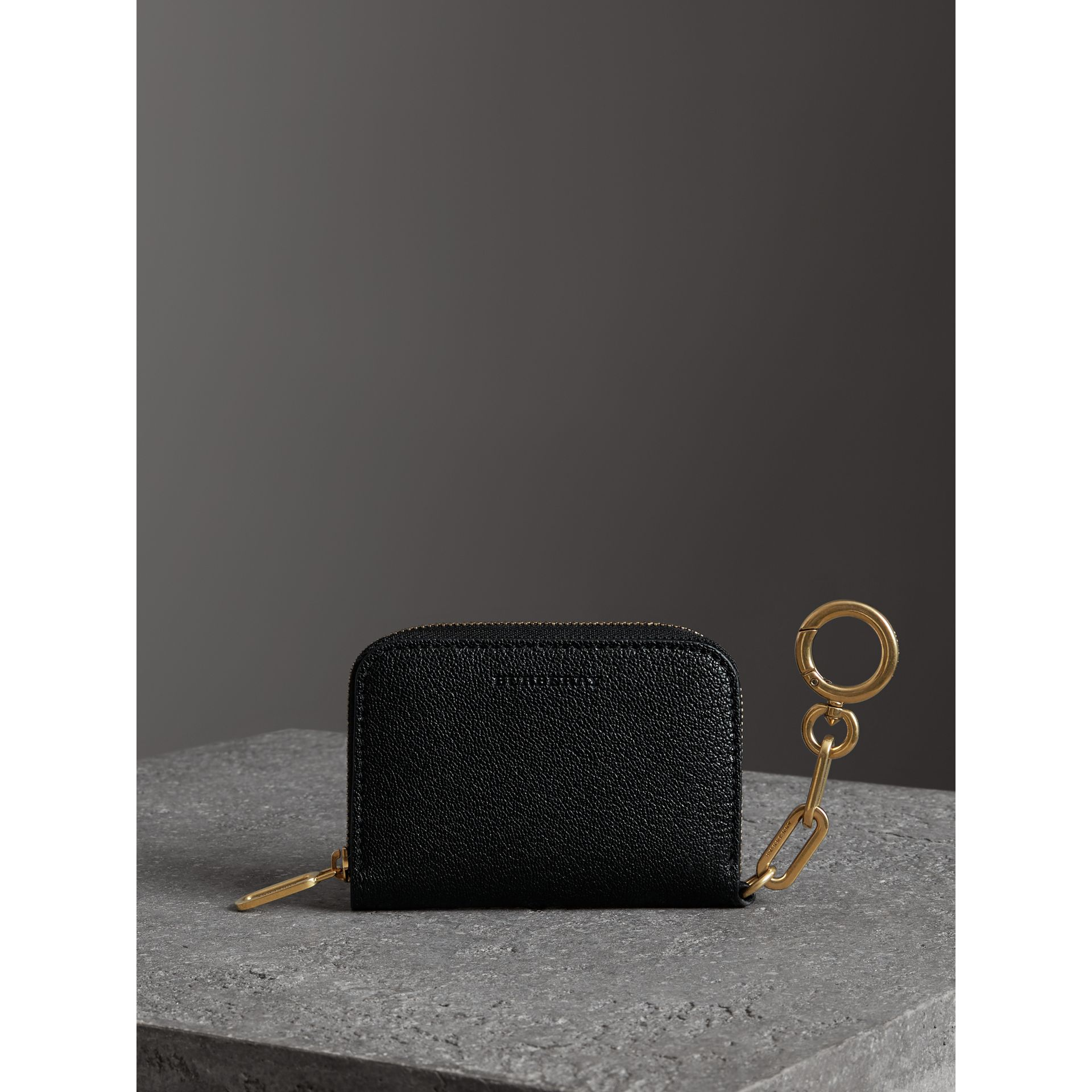Link Detail Leather Ziparound Wallet in Black - Women | Burberry - gallery image 4
