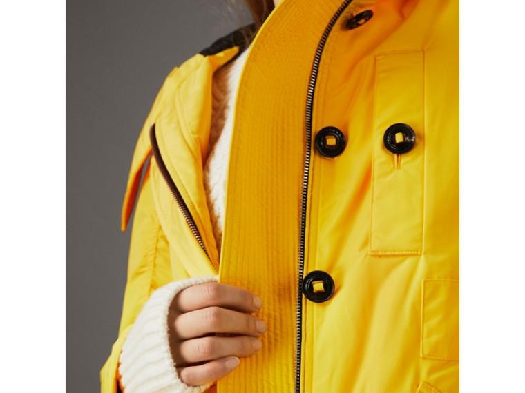 Parka à capuche en taffetas technique (Jaune Vif) - Femme | Burberry - cell image 4