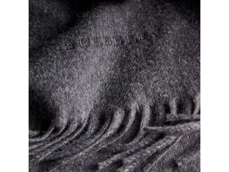 The Classic Cashmere Scarf in Charcoal | Burberry Singapore - cell image 4