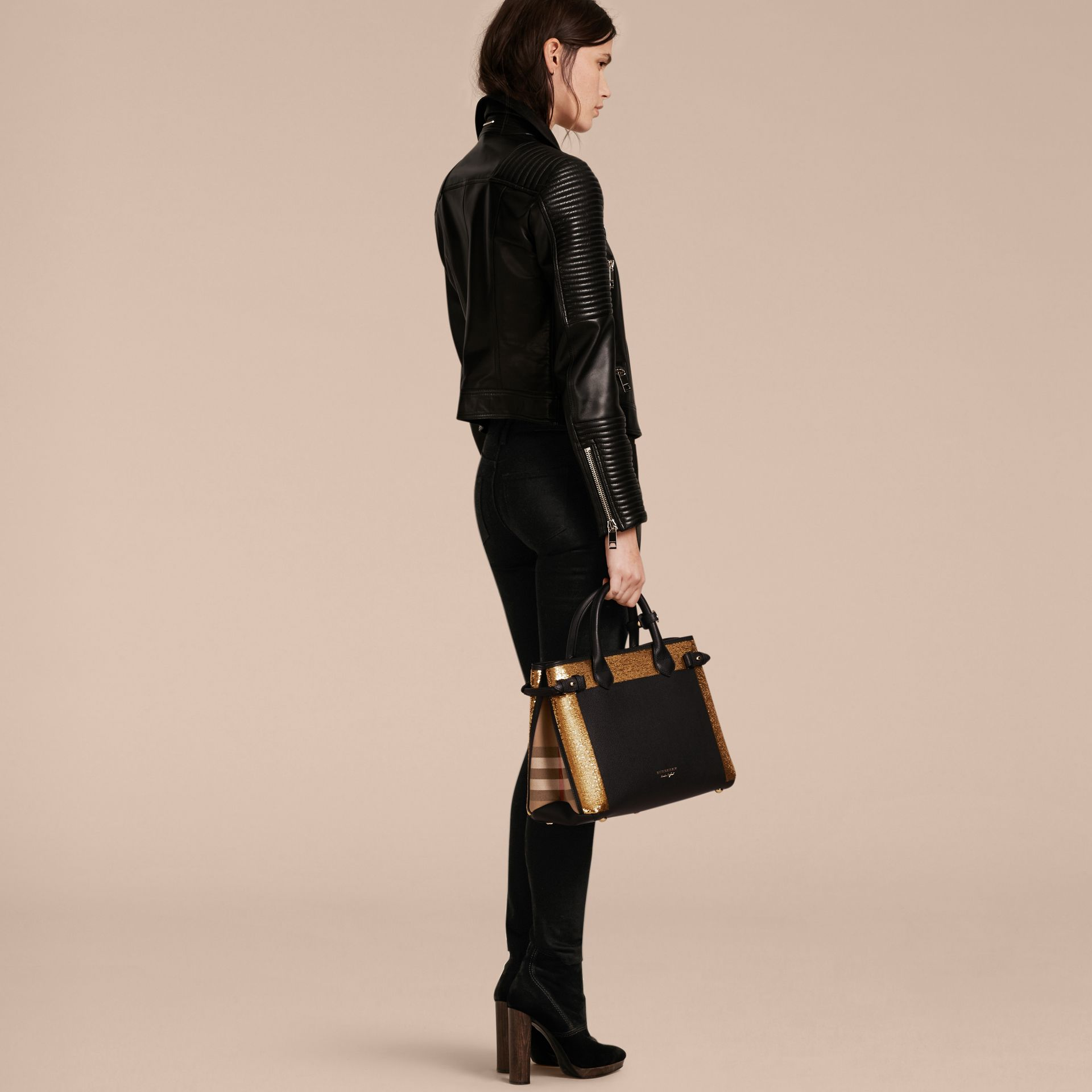 Noir Sac The Banner medium en cuir avec sequins et coton House check - photo de la galerie 4