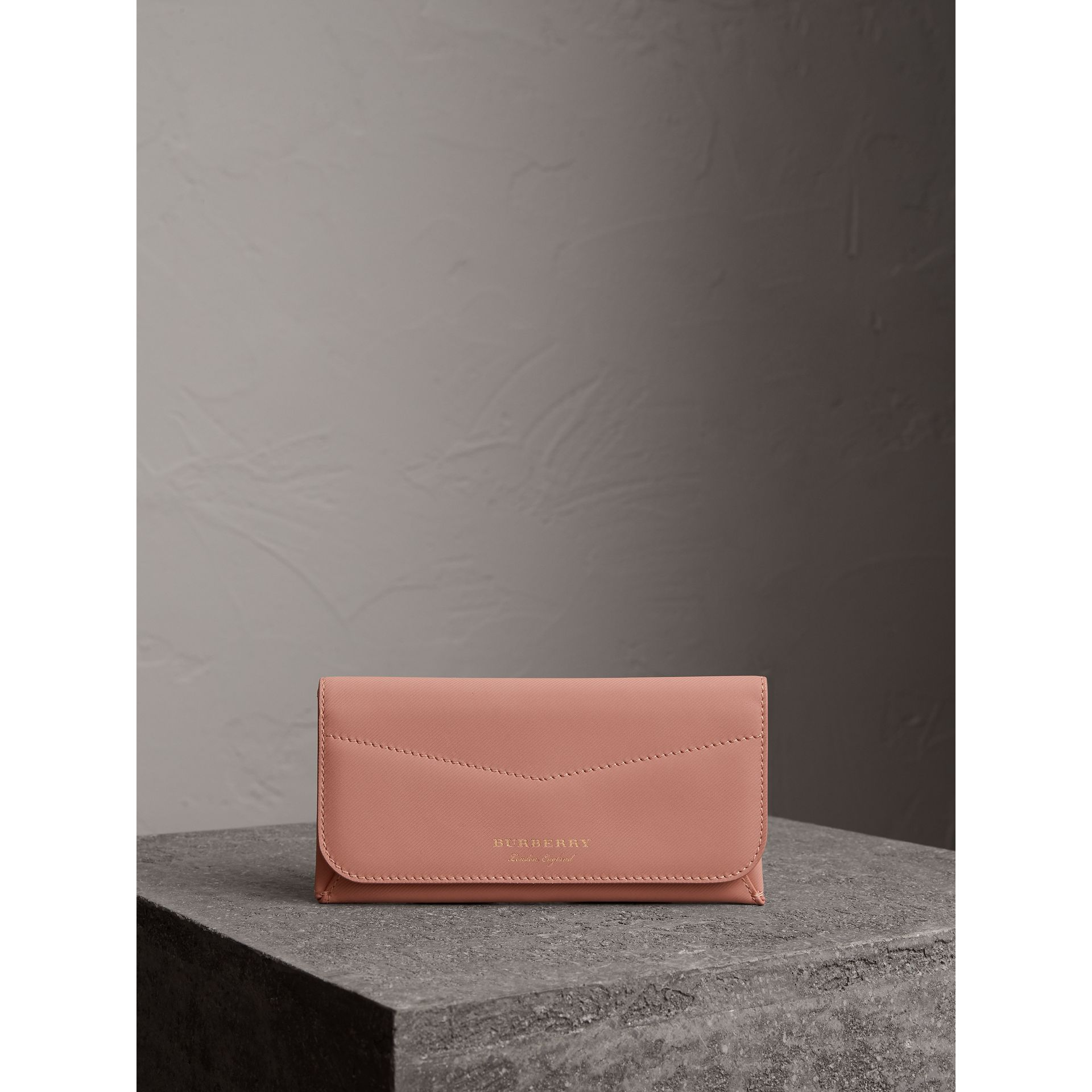 Trench Leather Envelope Wallet in Ash Rose/pale Clementine - Women | Burberry Singapore - gallery image 4