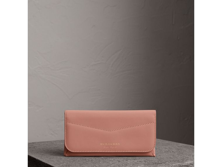 Trench Leather Envelope Wallet in Ash Rose/pale Clementine - Women | Burberry United States - cell image 4