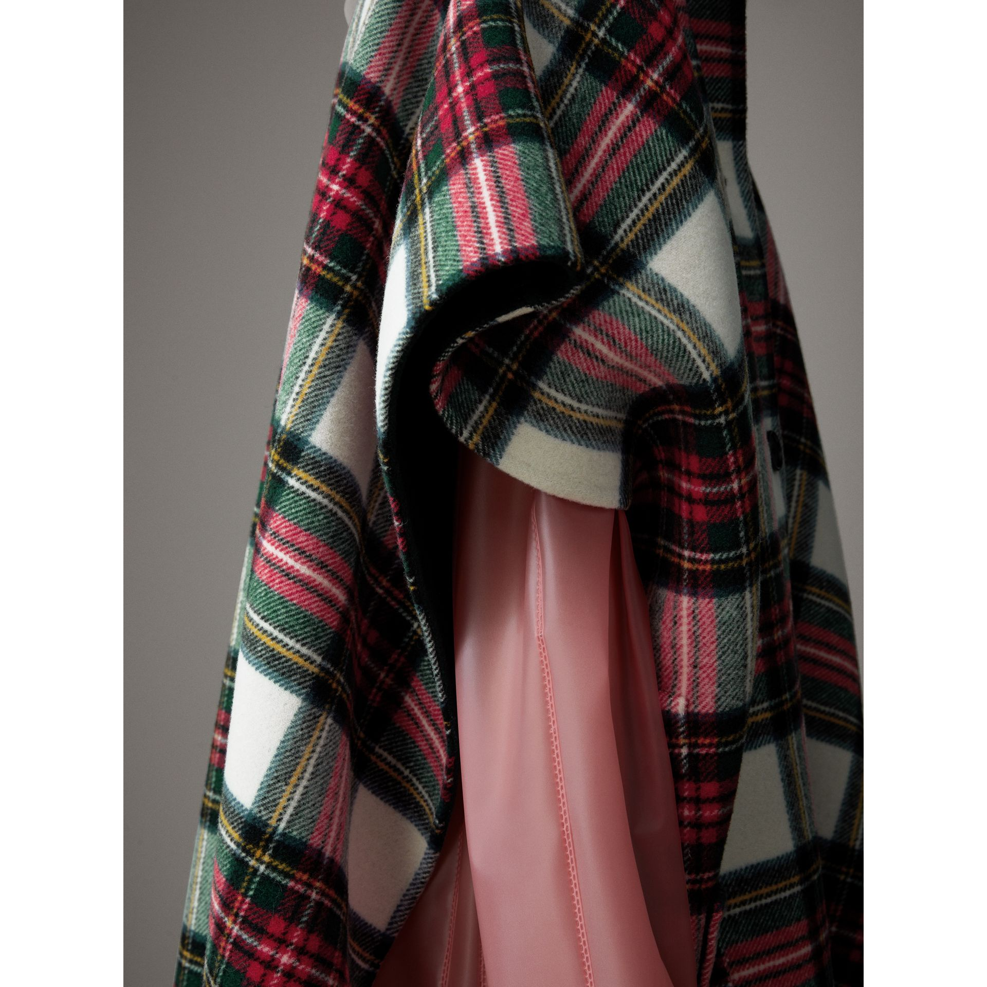 Reversible Tartan Oversized Poncho in Natural White/bottle Green | Burberry - gallery image 1