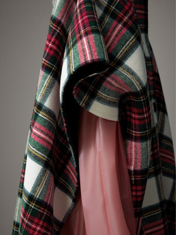 Reversible Tartan Oversized Poncho in Natural White/bottle Green | Burberry - cell image 1