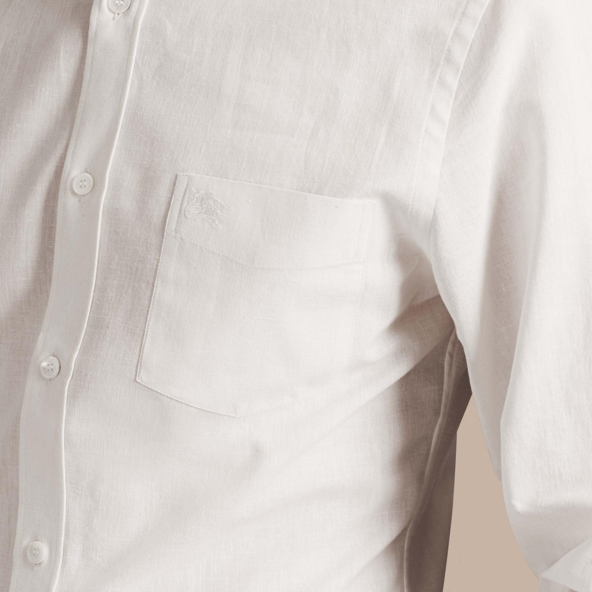 Weiss Hemd aus Baumwolle und Leinen mit Button-down-Kragen Weiss - Galerie-Bild 4
