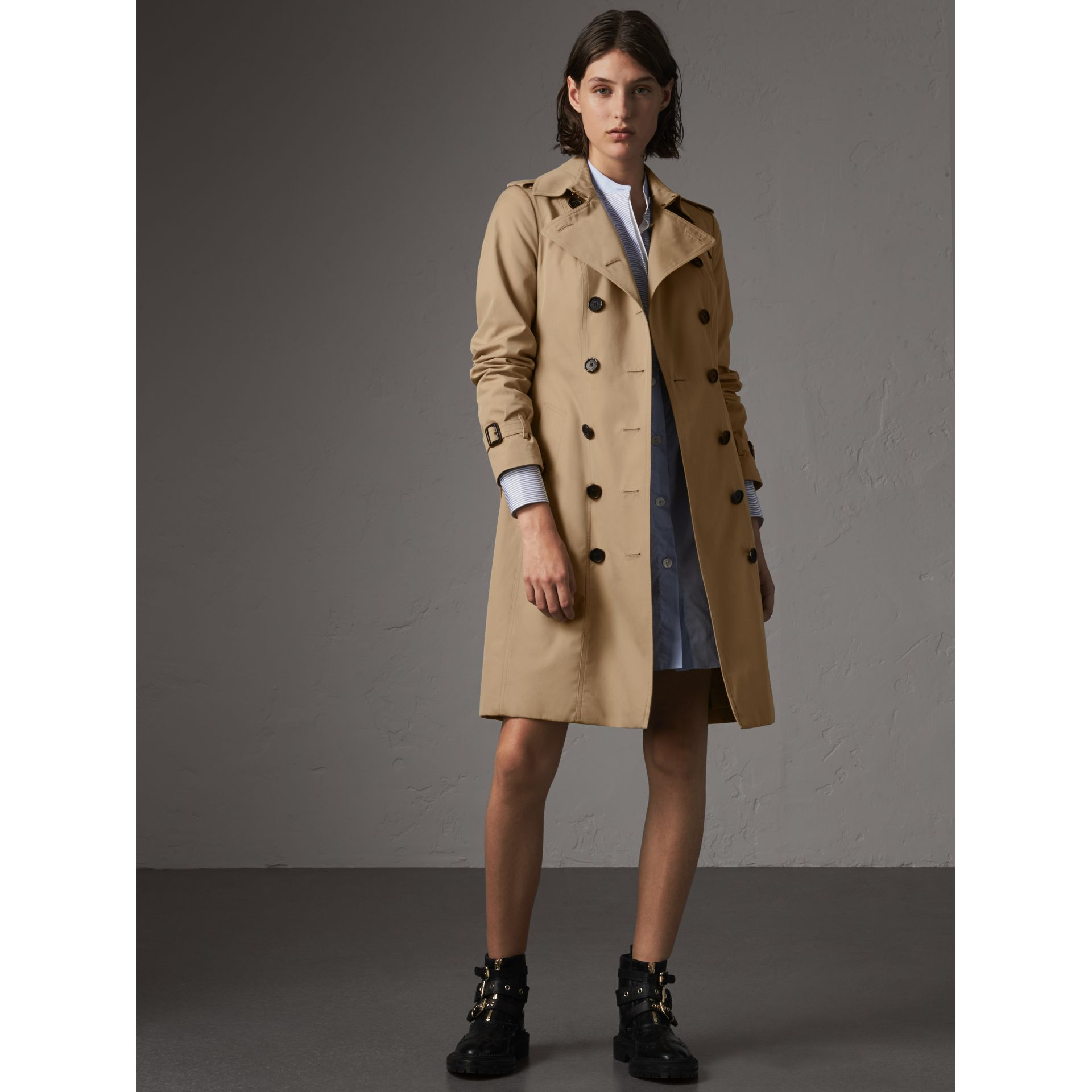 The Sandringham – Long Heritage Trench Coat in Honey - Women | Burberry Singapore - gallery image 1