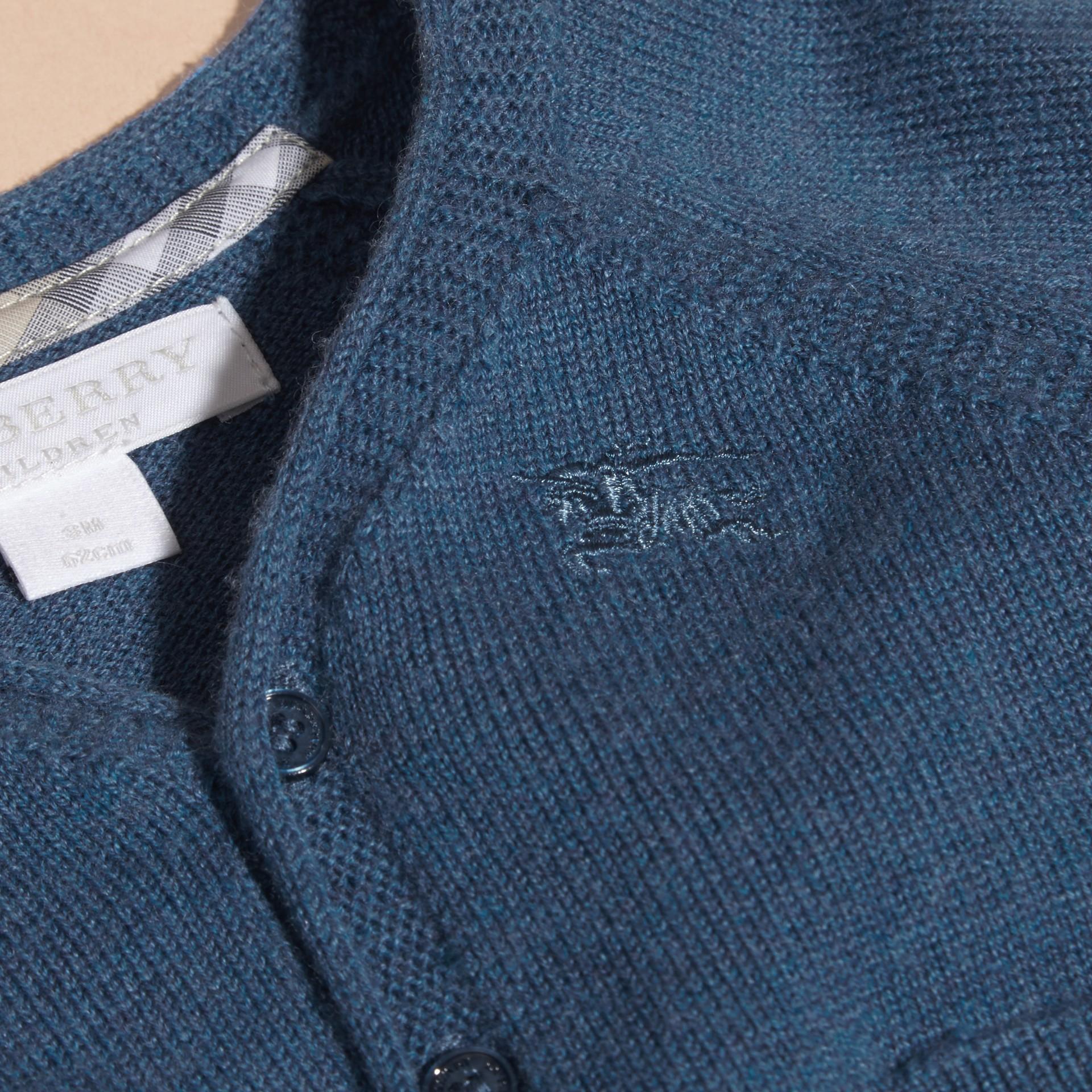 Blu acciaio intenso Cardigan in cashmere e cotone con scollo a V Blu Acciaio Intenso - immagine della galleria 2