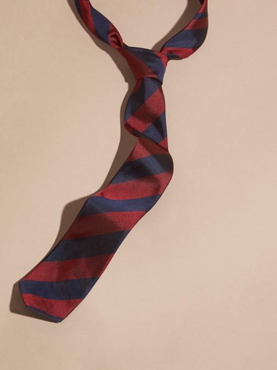 Cravate fine en jacquard de soie à rayures Rouge Parade