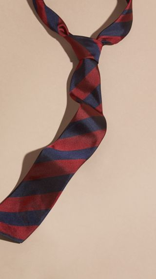 Slim Cut Stripe Jacquard Silk Tie
