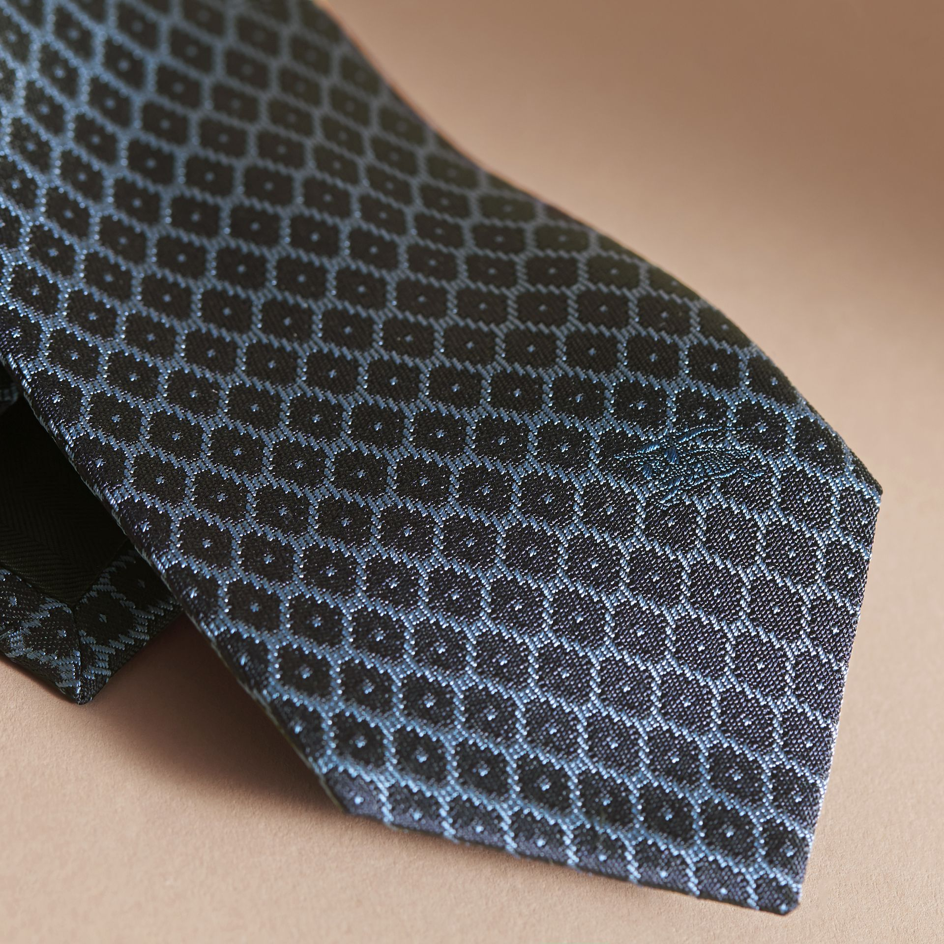 Modern Cut Silk Jacquard Tie in Navy/mineral Blue - gallery image 2