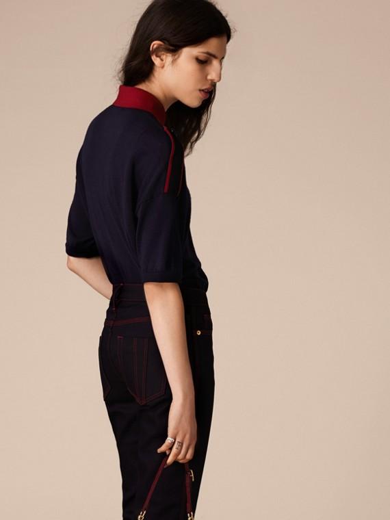 Marine/rouge Polo en laine avec pattes d'épaule - cell image 3