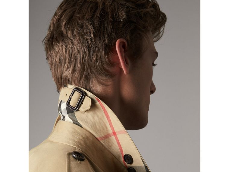 The Kensington – Long Heritage Trench Coat in Honey - Men | Burberry Australia - cell image 4