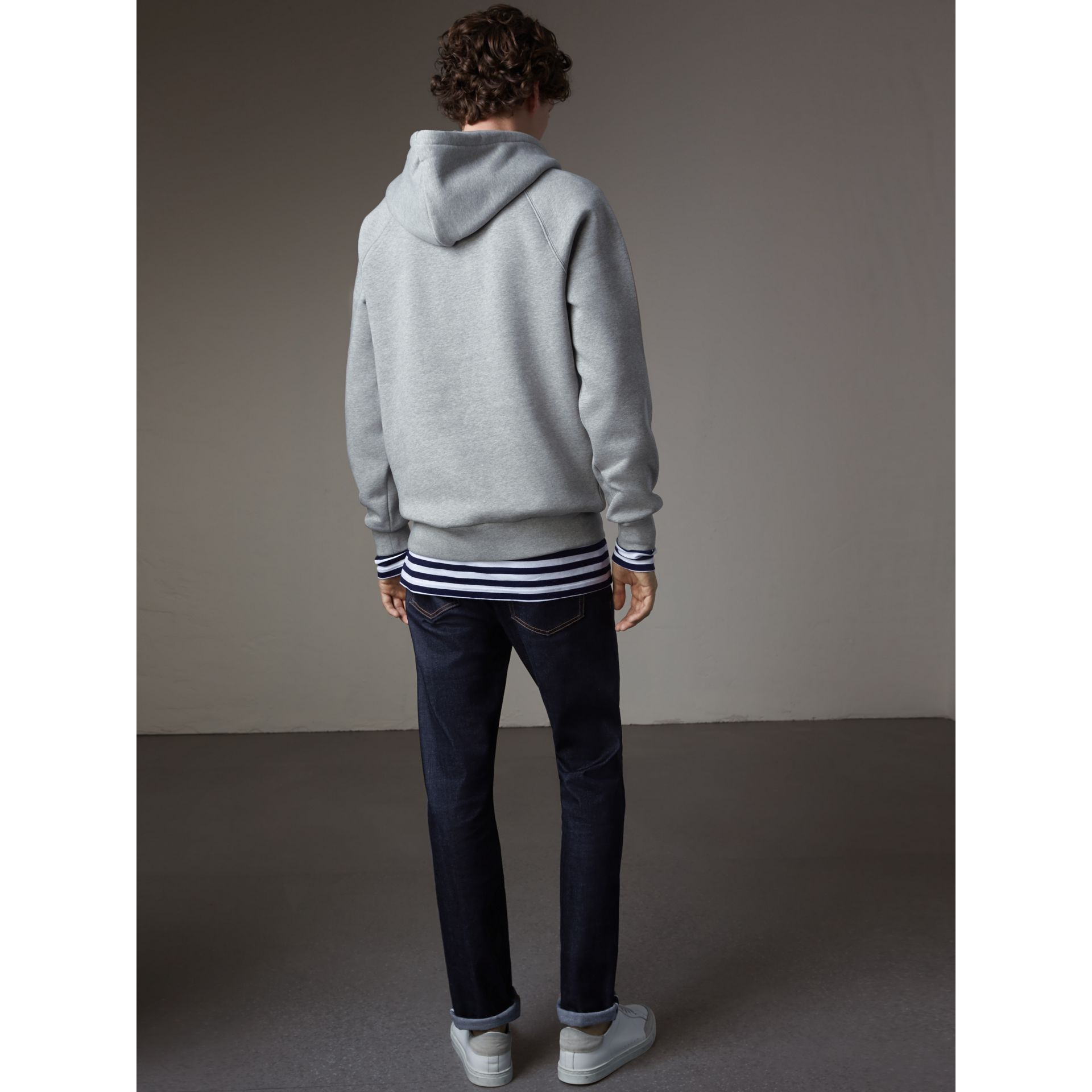 Sweat-shirt brodé à capuche (Camaïeu De Gris) - Homme | Burberry - photo de la galerie 2