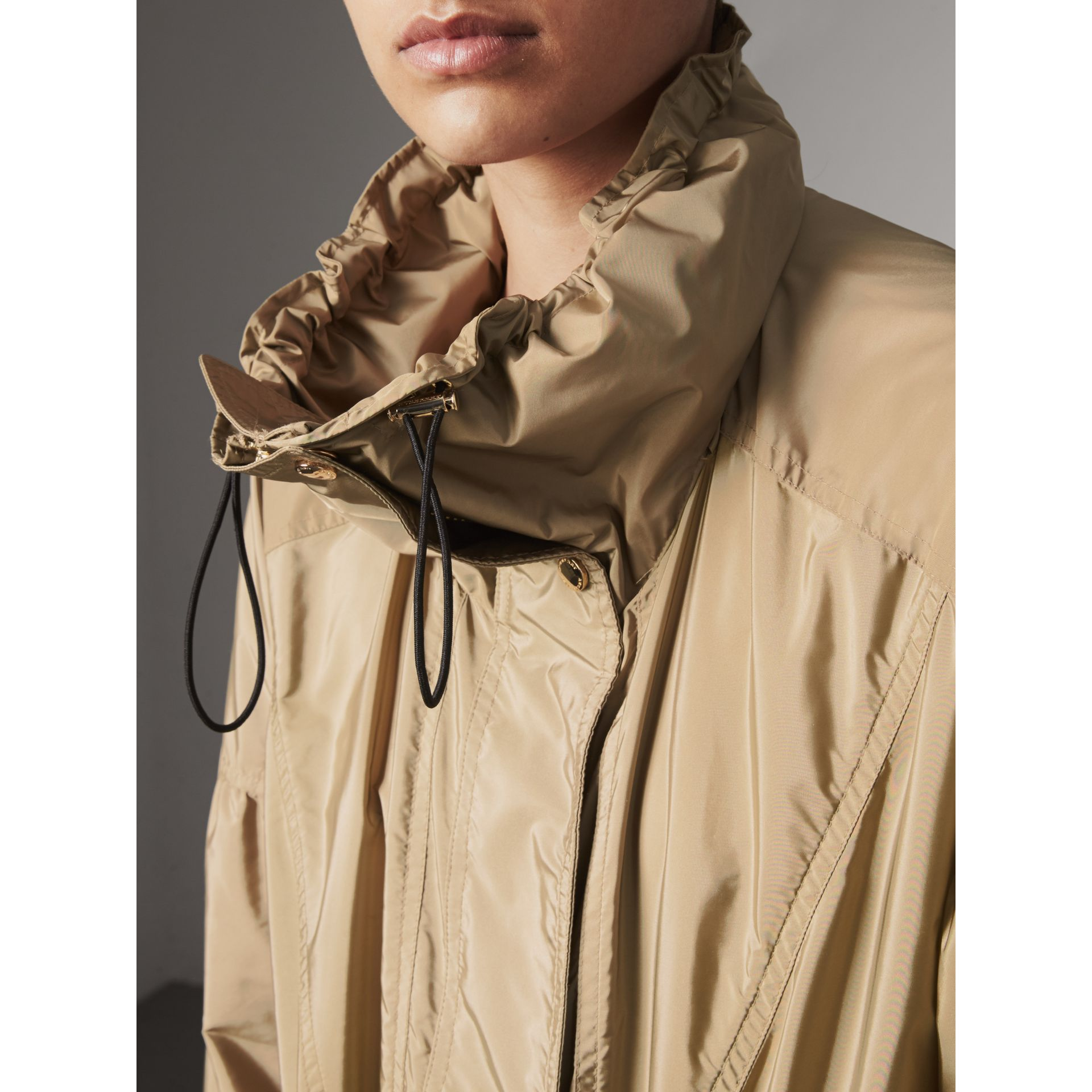 Packaway Hood Lightweight Rain Jacket in Sisal - Women | Burberry - gallery image 5