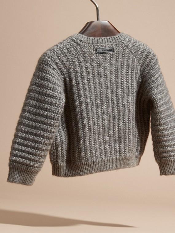 Camaïeu de gris moyens Cardigan en coton et cachemire multi-points - cell image 3