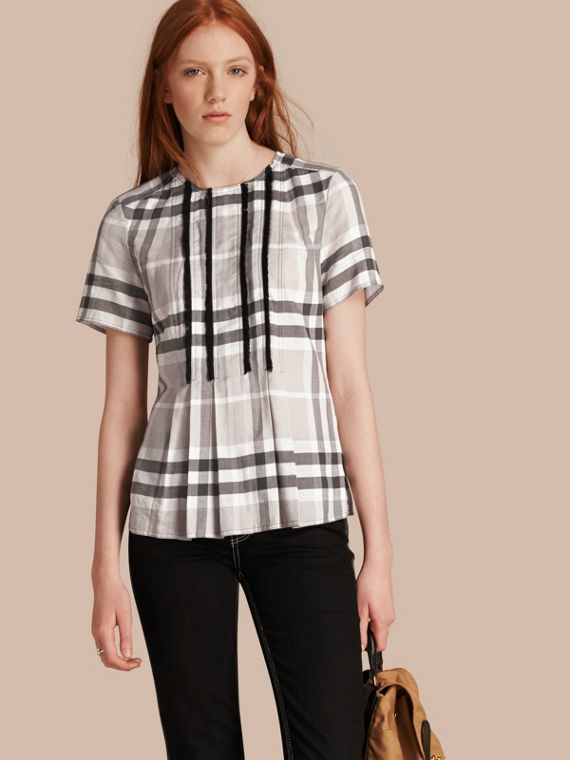 Short-sleeved Fringed Check Cotton Top Pale Grey