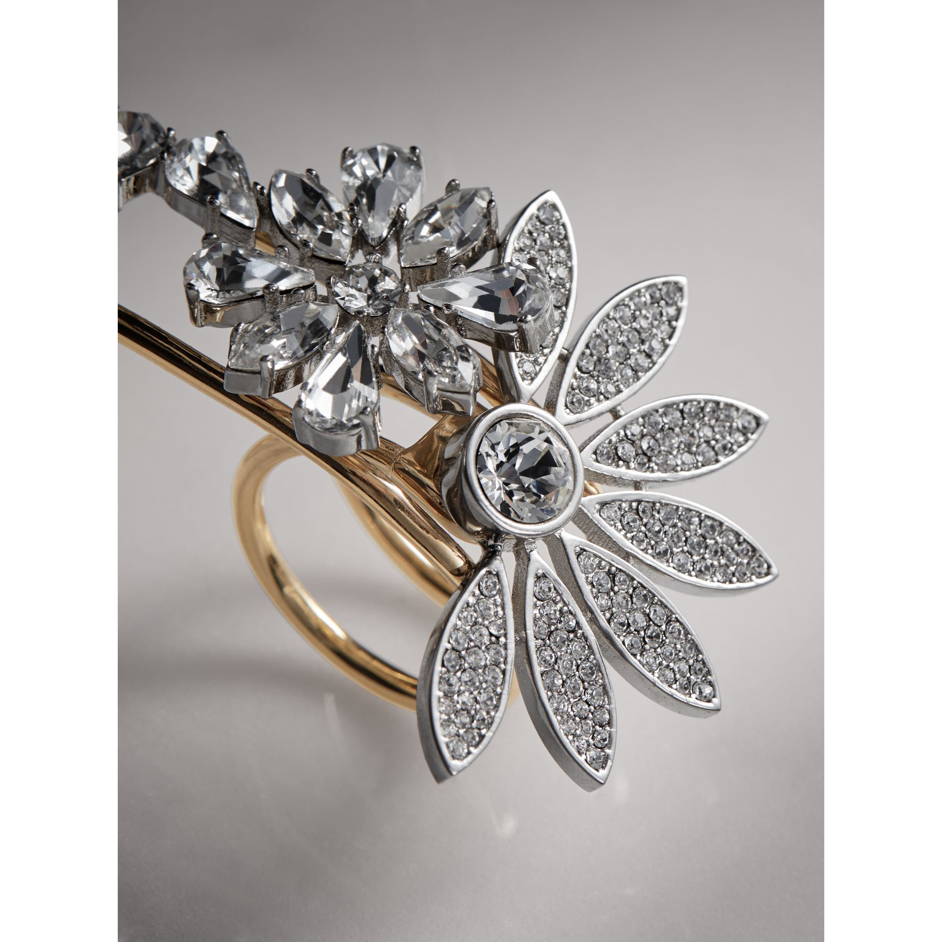 Bague double en laiton avec marguerites en cristal - Femme | Burberry - photo de la galerie 1
