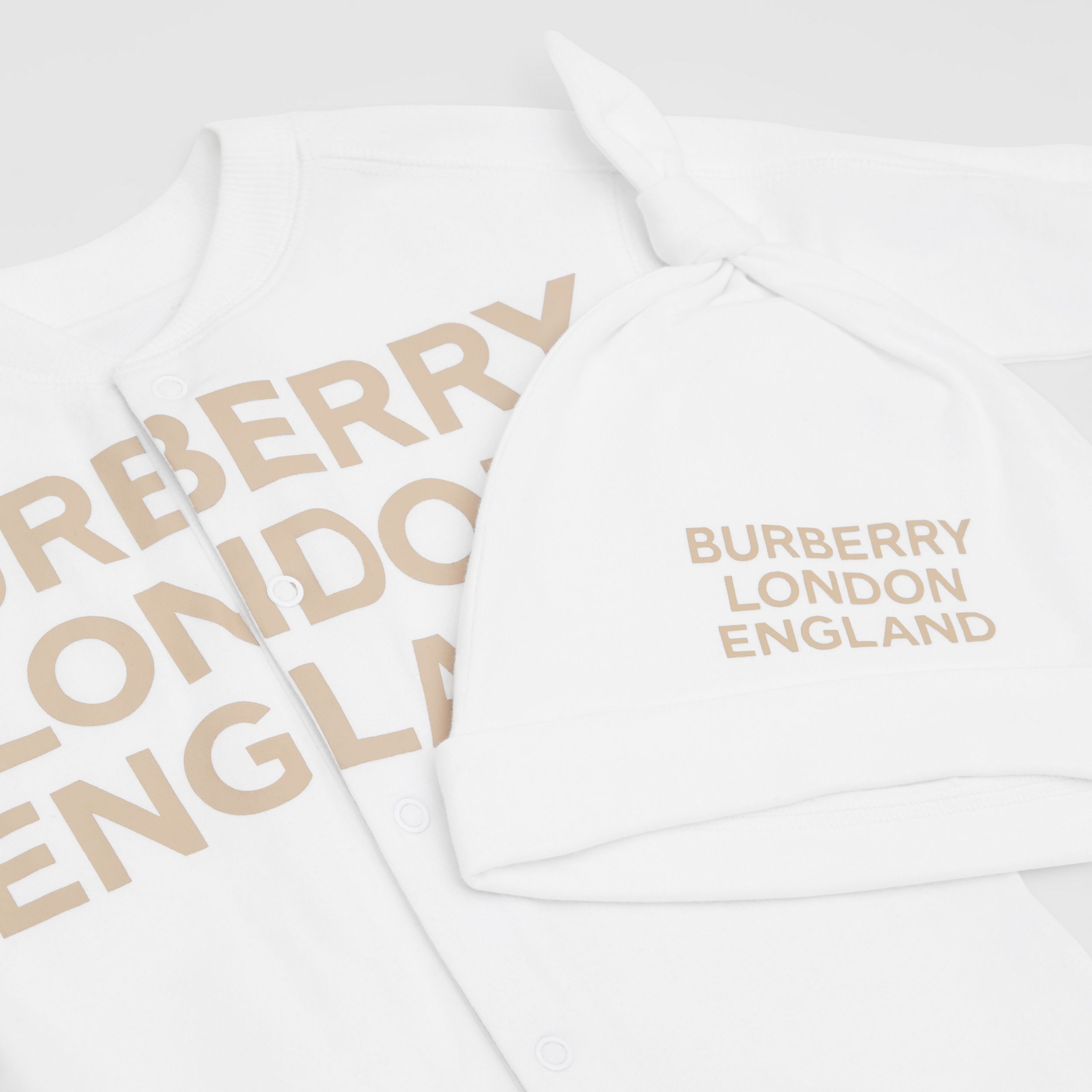 Logo Print Organic Cotton Two-piece Baby Gift Set in White - Children | Burberry - 2