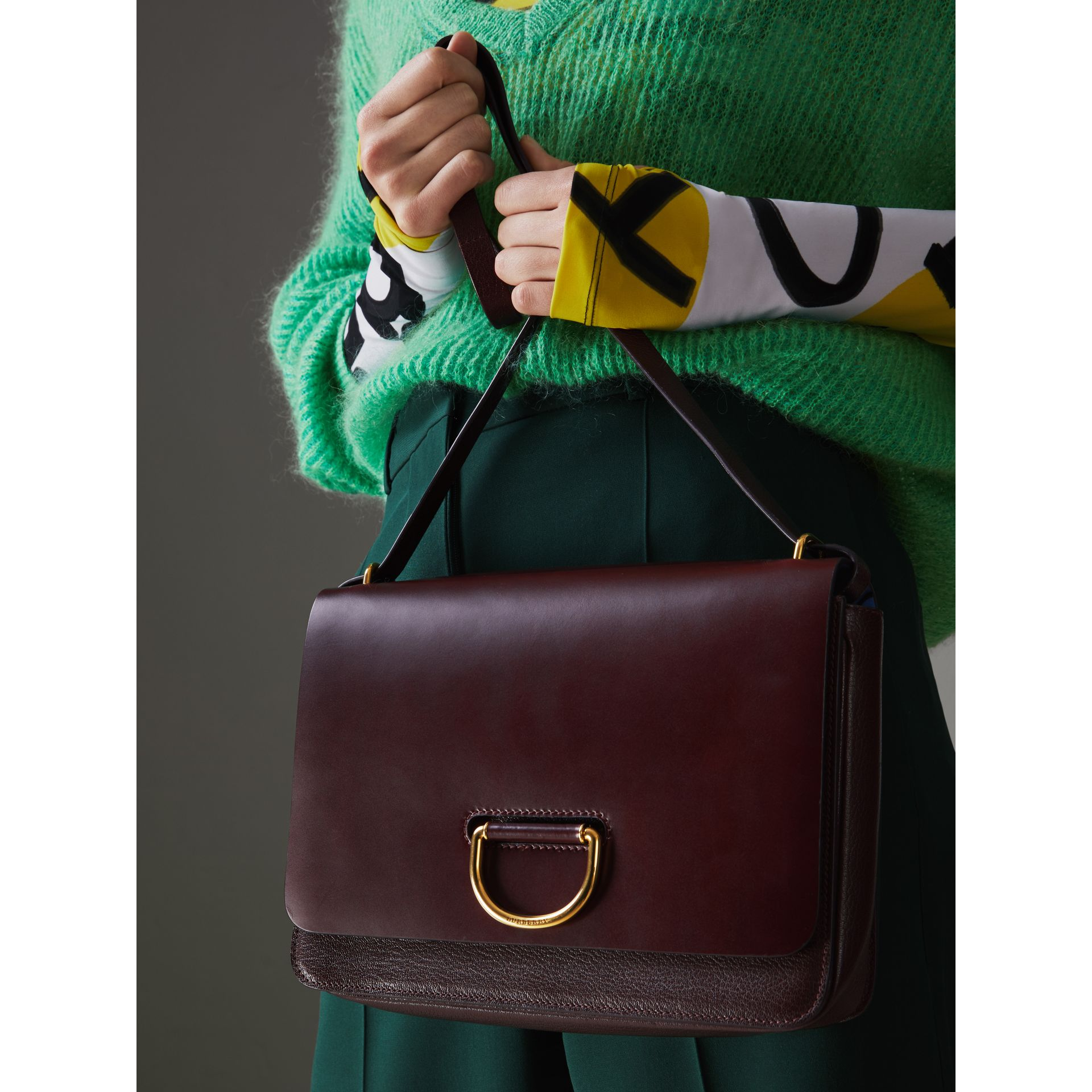 The Medium Leather D-ring Bag in Deep Claret - Women | Burberry United Kingdom - gallery image 3