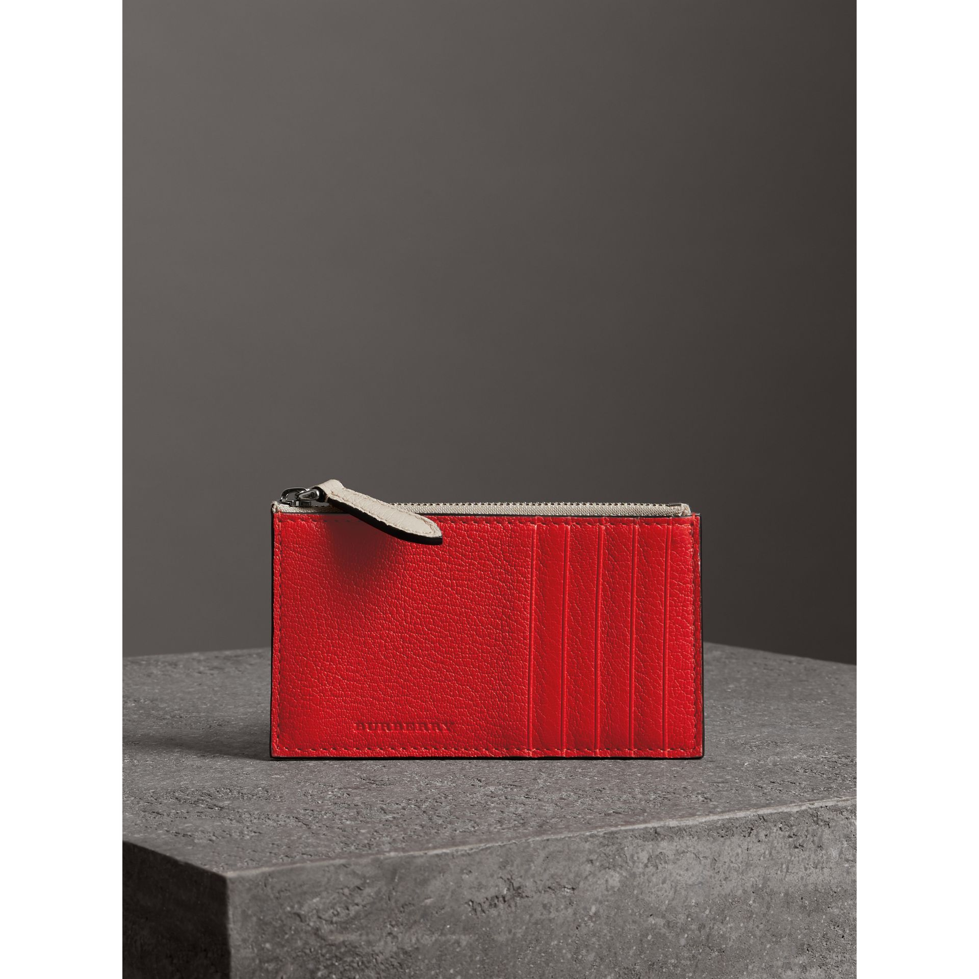Two-tone Leather Zip Card Case in Bright Red | Burberry Canada - gallery image 4