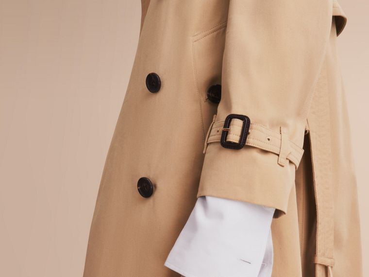 The Kensington – Extra-long Heritage Trench Coat in Honey - Women | Burberry Singapore - cell image 4
