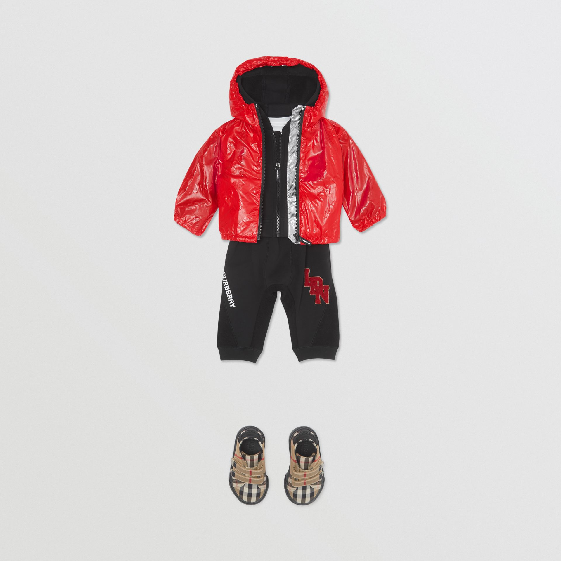 Logo Print Lightweight Hooded Jacket in Bright Red - Children | Burberry United States - gallery image 3