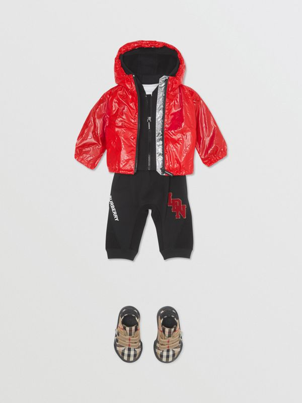Logo Print Lightweight Hooded Jacket in Bright Red - Children | Burberry United States - cell image 3