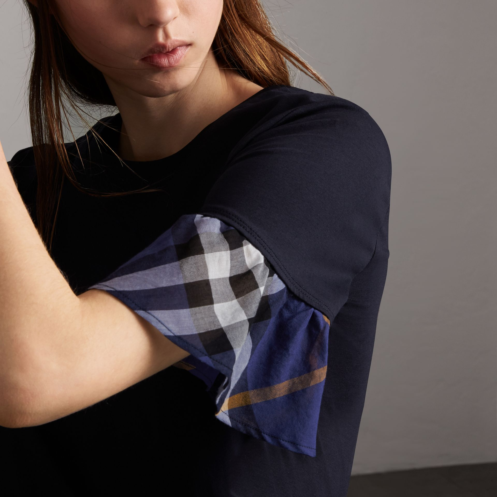 Flared-sleeve Check Detail Cotton T-shirt in True Navy - Women | Burberry - gallery image 5