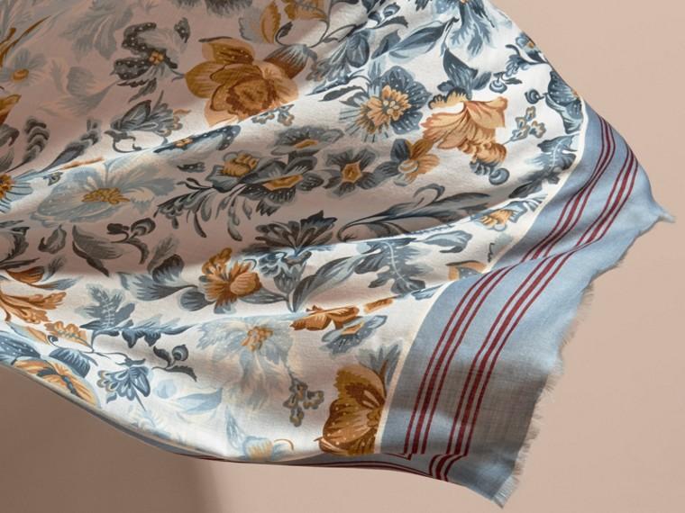 Écharpe en cachemire à imprimé Fleurs de jardin