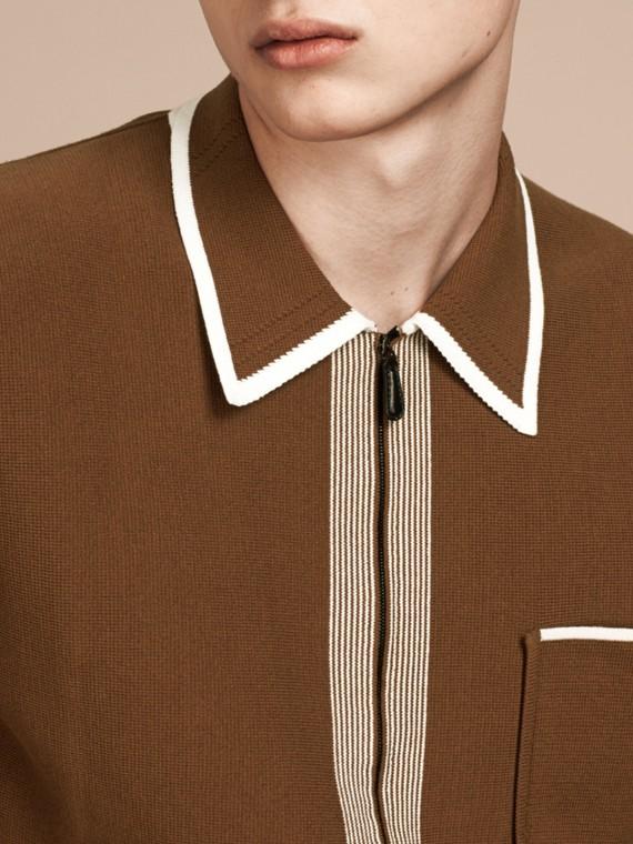 Ockerbraun Cardigan aus technischer Baumwolle mit Streifendetail Ockerbraun - cell image 3