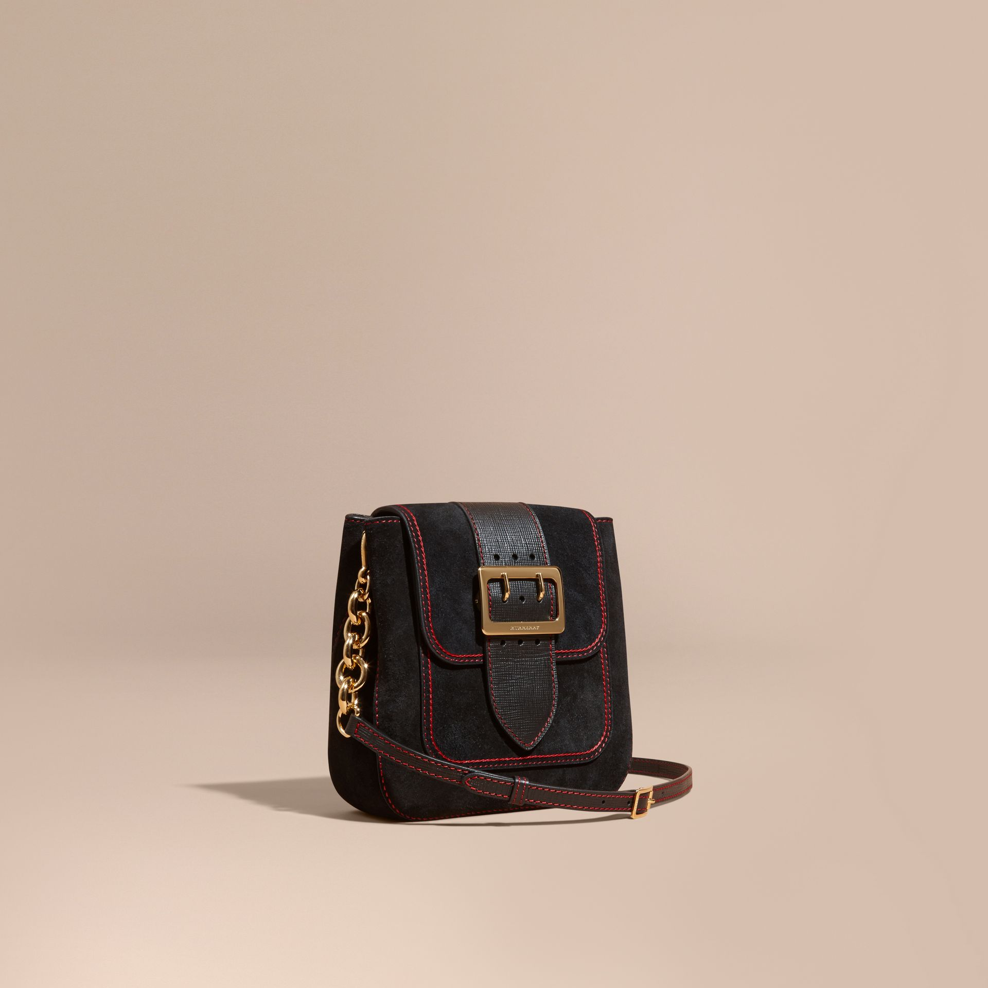 Noir Sac The Buckle medium carré en cuir velours anglais et cuir - photo de la galerie 1