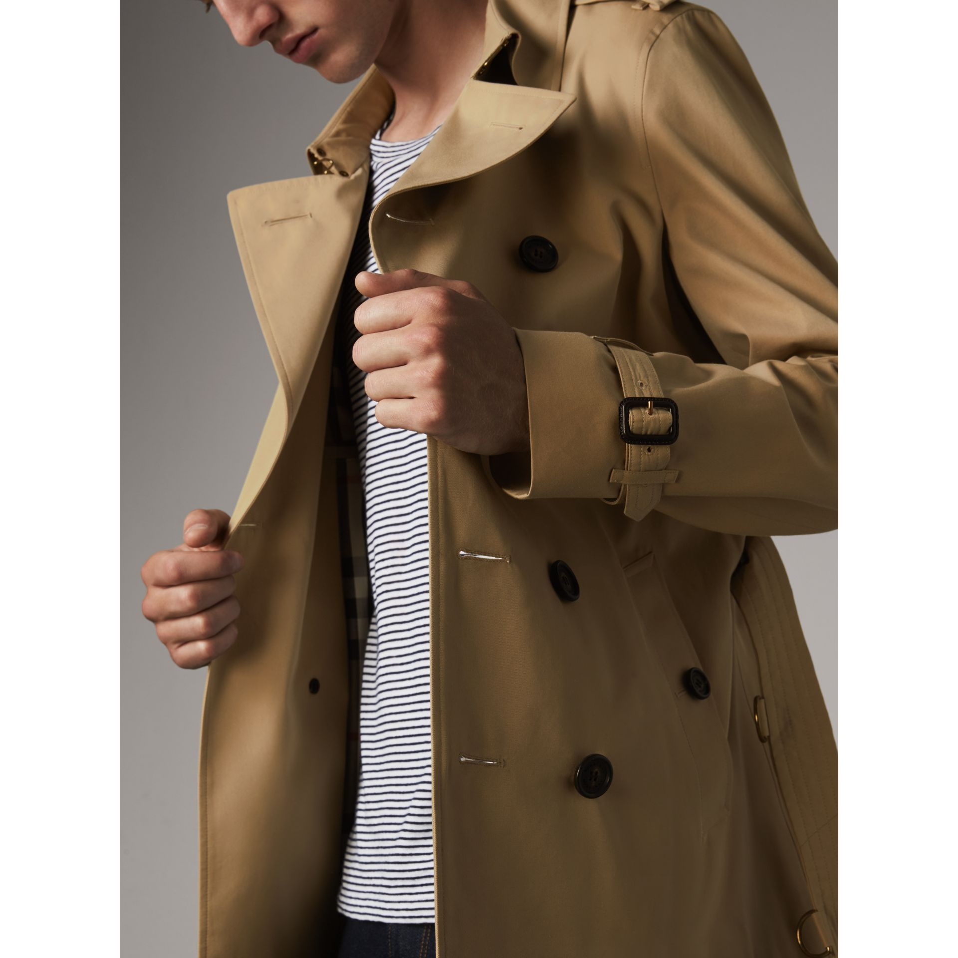 The Chelsea – Short Heritage Trench Coat in Honey - Men | Burberry Australia - gallery image 6