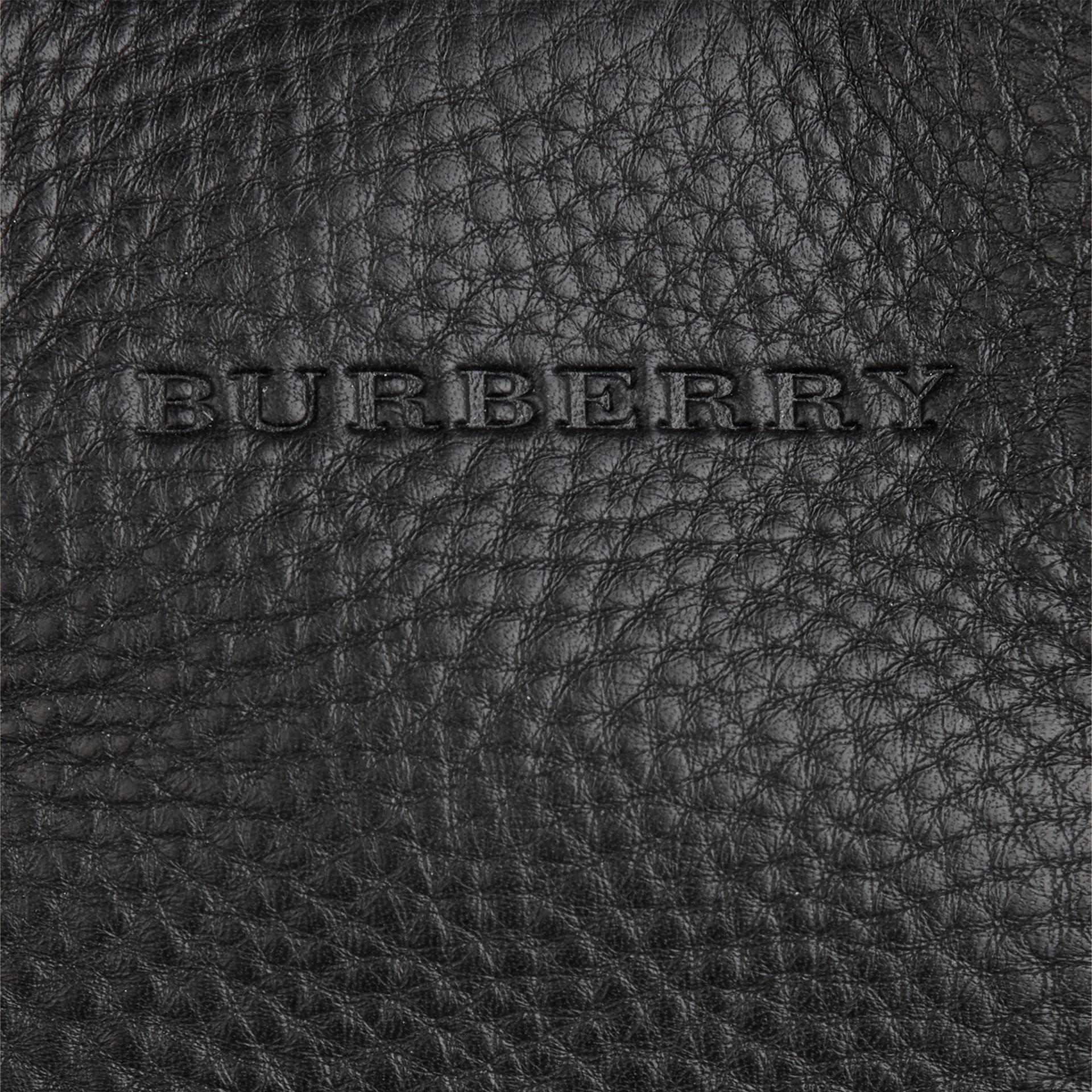 Черный Сумка-тоут из кожи со вставками в клетку Черный - изображение 3