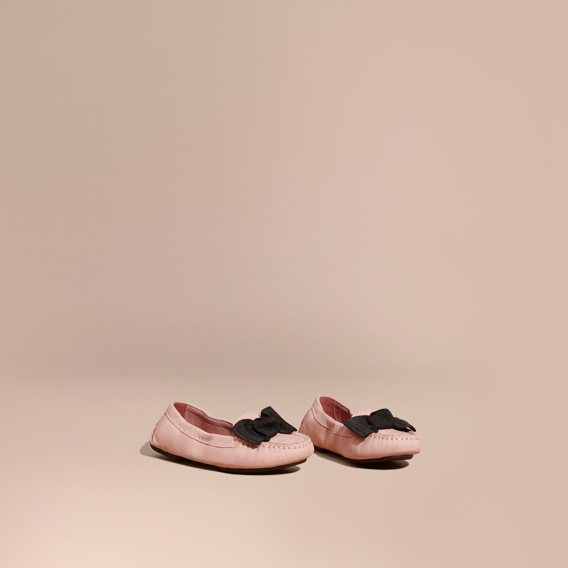 애쉬 로즈 보우 디테일 가죽 로퍼 - 갤러리 이미지 1