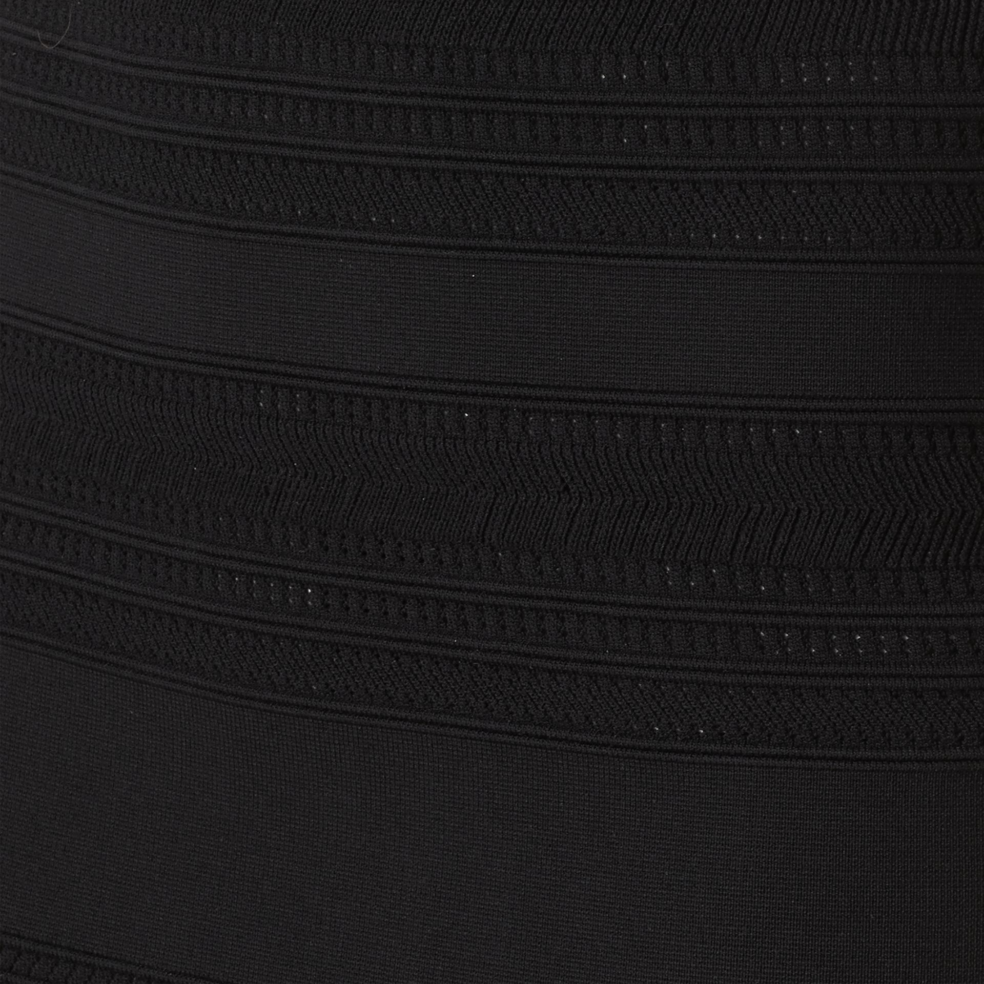 Schwarz Gestrickter Bleistiftrock mit Streifenmuster - Galerie-Bild 2