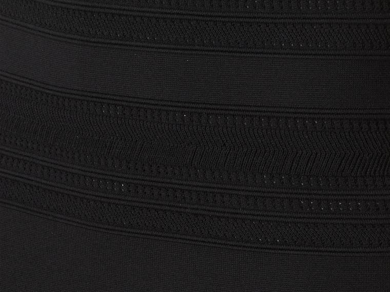 Schwarz Gestrickter Bleistiftrock mit Streifenmuster - cell image 1