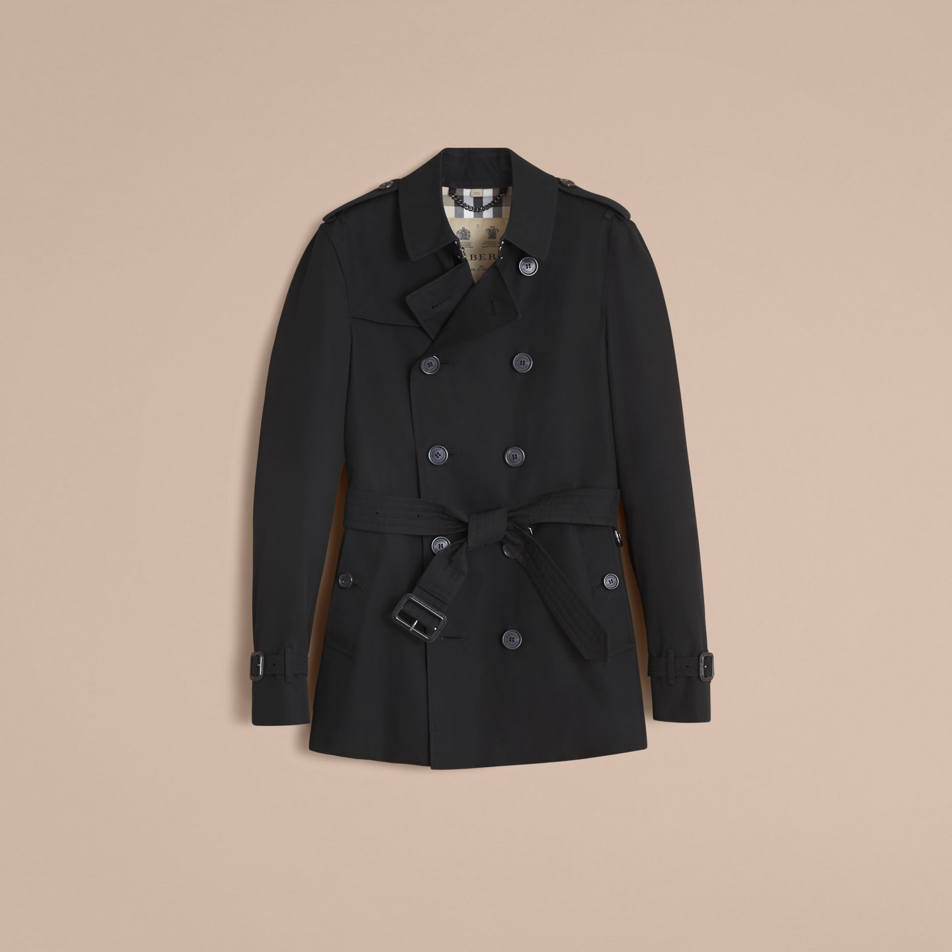 The Chelsea – Short Heritage Trench Coat in Black - Men | Burberry - gallery image 4