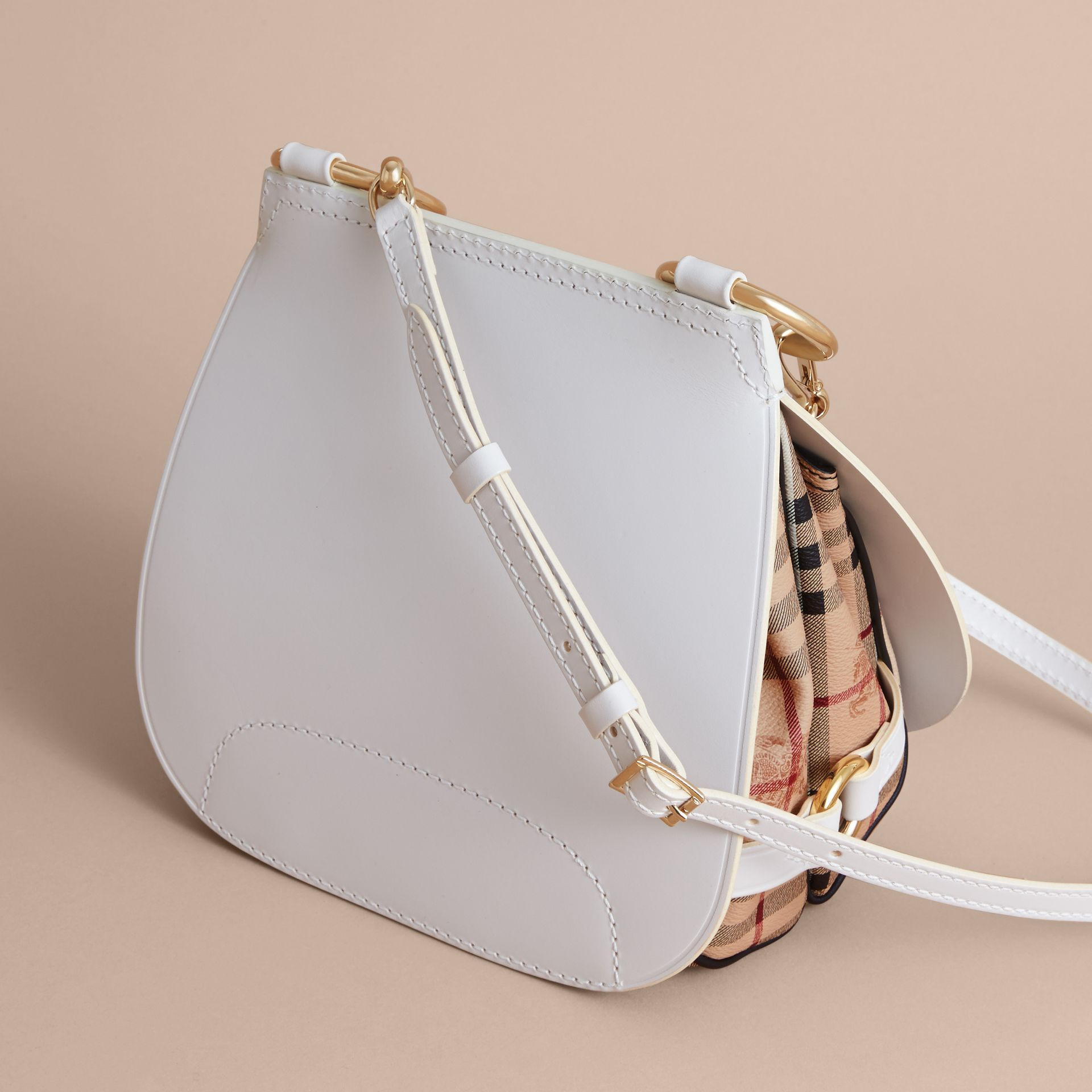 Sac The Bridle en cuir et tissu Haymarket check (Naturel) - Femme | Burberry - photo de la galerie 4