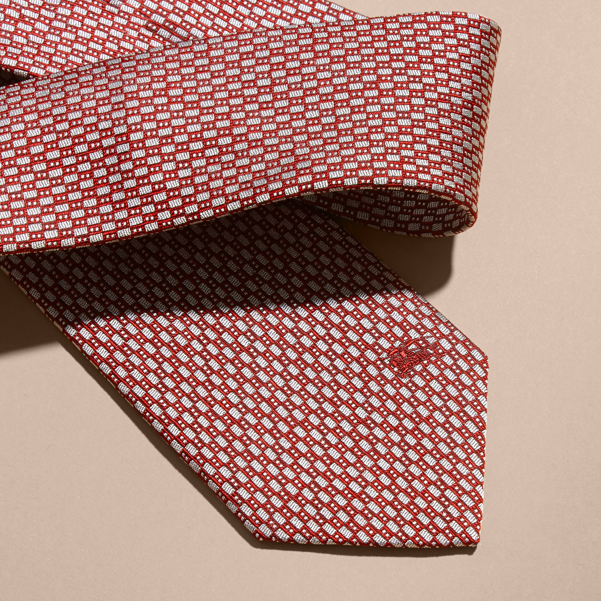 Parade red Modern Cut Silk Jacquard Tie Parade Red - gallery image 2