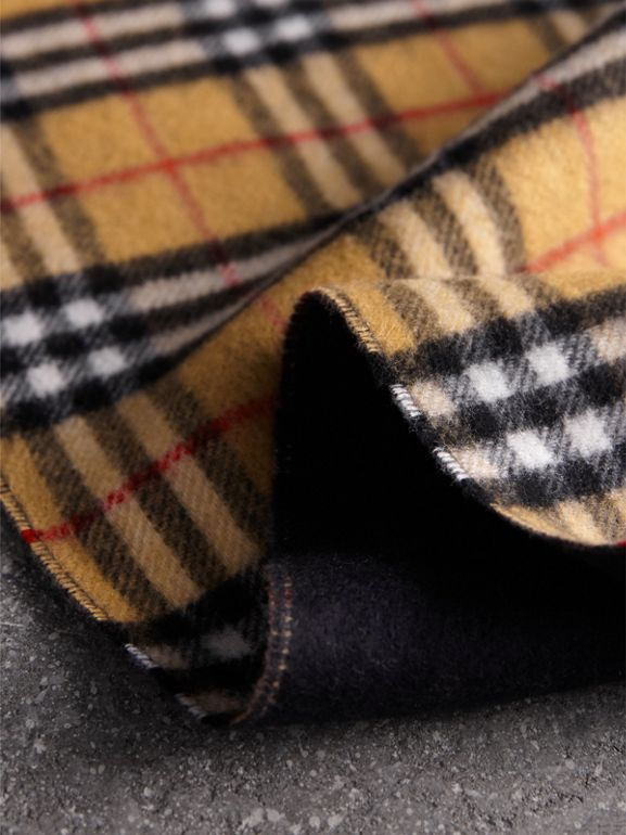 Long Reversible Vintage Check Double-faced Cashmere Scarf in Blue Carbon | Burberry Australia - cell image 1