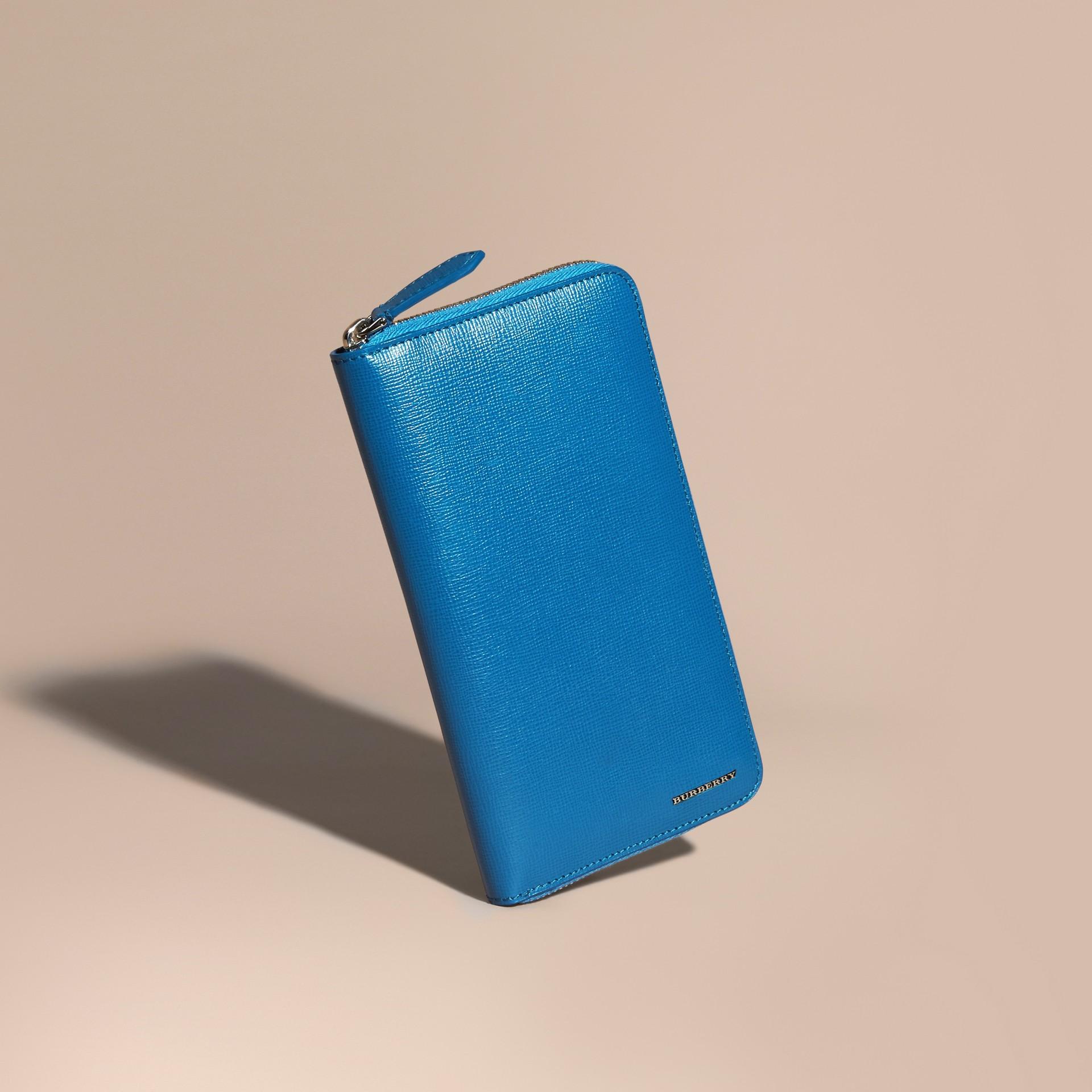Bleu minéral Portefeuille zippé en cuir London - photo de la galerie 1