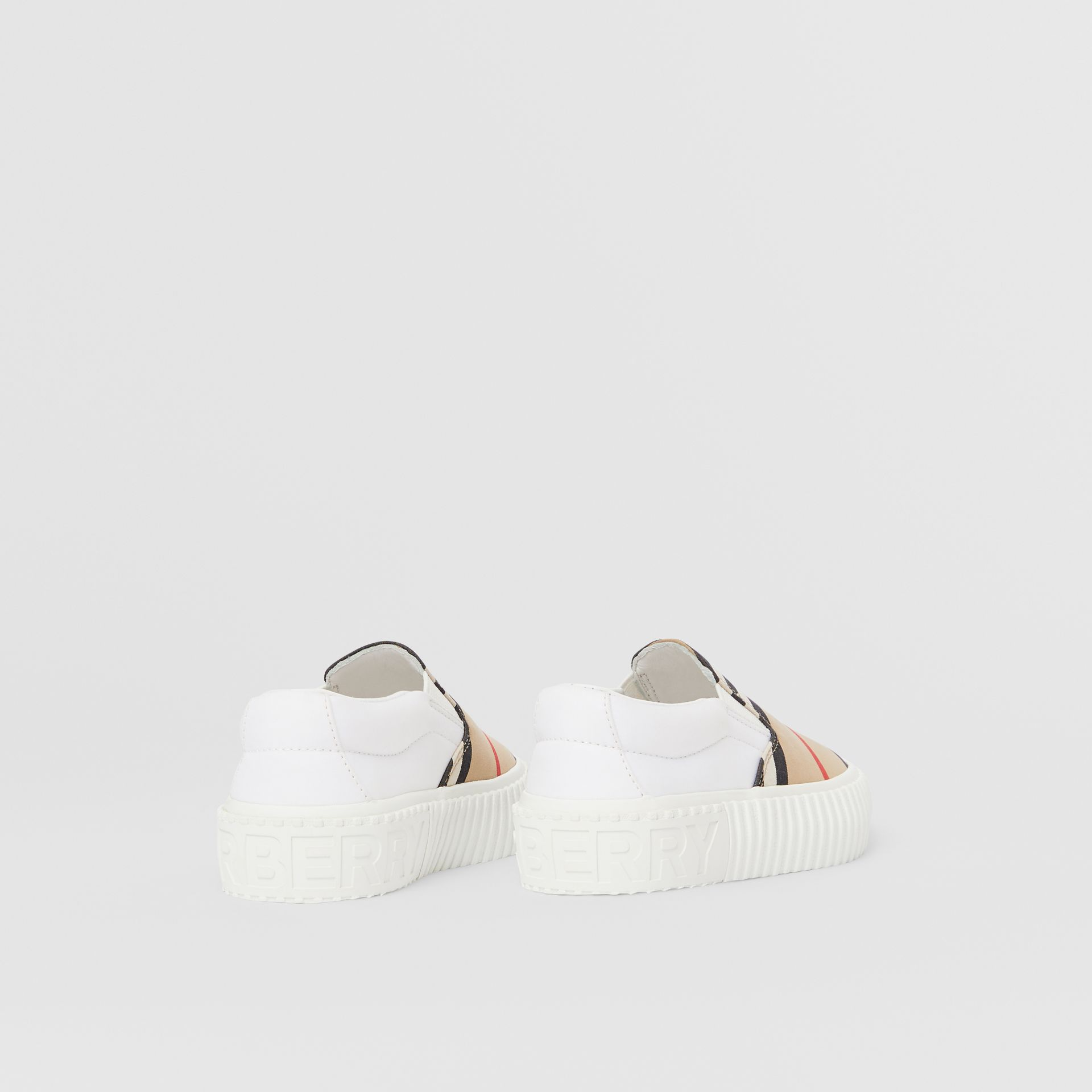 Sneakers sans lacets en coton à rayures iconiques (Beige D'archive) - Enfant | Burberry - photo de la galerie 2