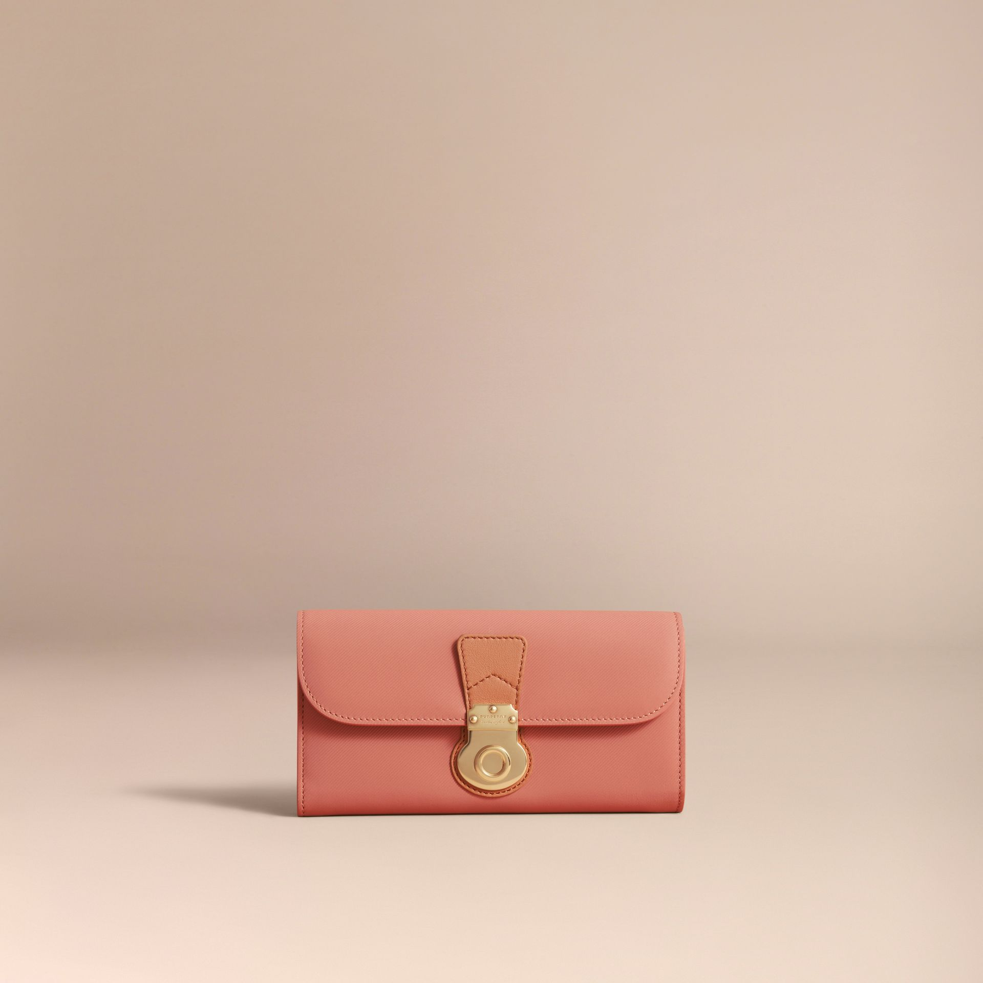 Two-tone Trench Leather Continental Wallet Ash Rose/pale Clementine - gallery image 5