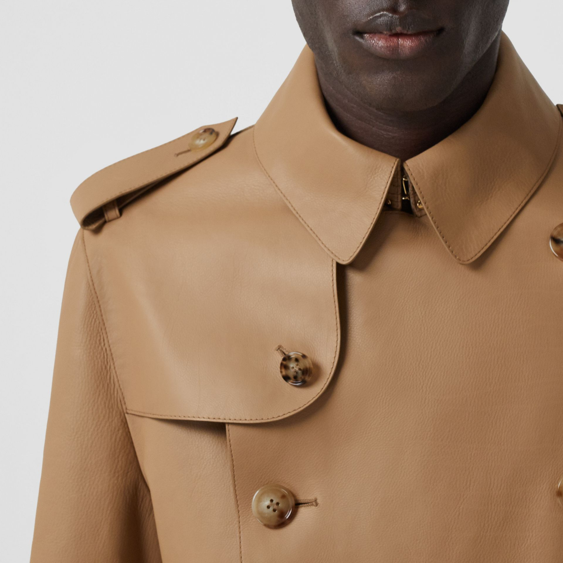 Plonge Leather Trench Coat in Camel - Men | Burberry - gallery image 5