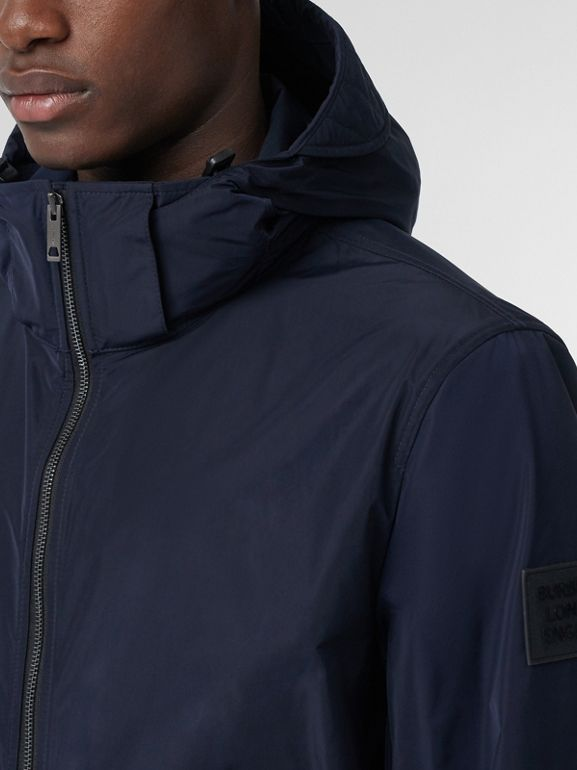 Packaway Hood Shape-memory Taffeta Jacket in Ink - Men | Burberry United States - cell image 1