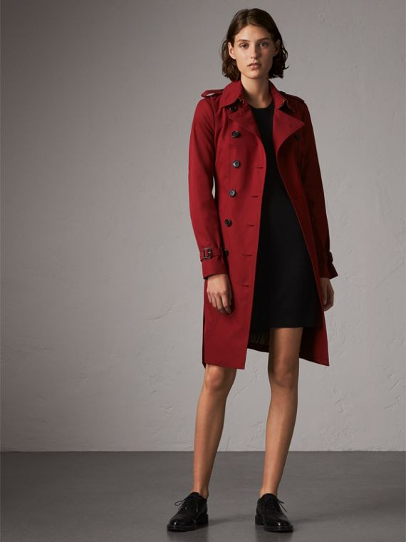 The Sandringham  – Long Heritage Trench Coat in Parade Red
